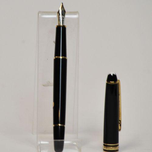 MONTBLANC  Meisterstuck 144, Stylo plume en résine noire, plume or bicolore 14k,…