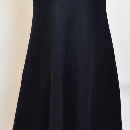 Gérard DAREL Paris  Robe bleu marine à manches courtes. Taille 42.  (Bon état)  …