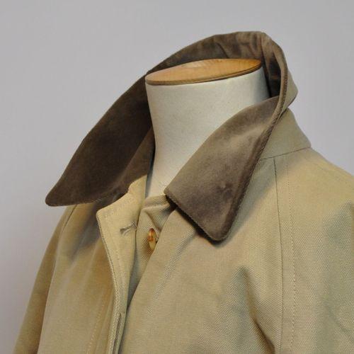 BURBERRYS  Manteau pour homme en coton beige, l'intérieur marron et kaki. Taille…