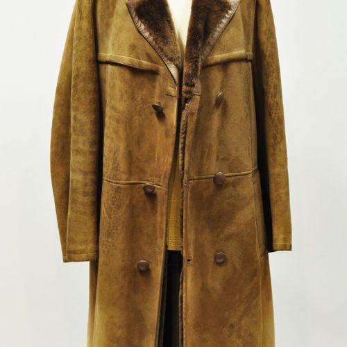Jacques JEKEL Paris  Manteau d'homme en mouton retourné marron et cuir. Taille 4…
