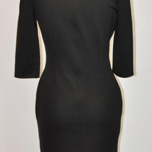 DOLCE & GABBANA  Longue robe noir en polyamide et nylon, cintrée à la taille, co…