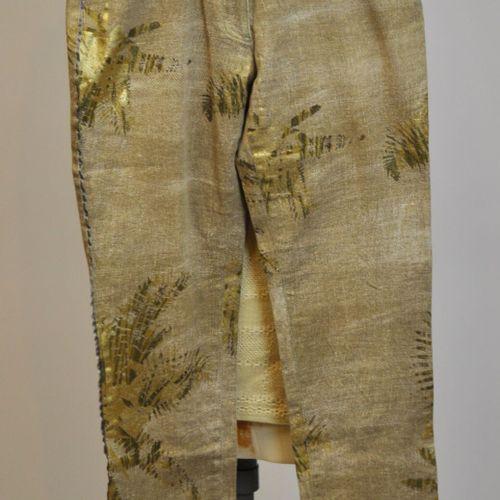 Christian LACROIX Bazar et Christian LACROIX Jeans  Lot comprenant un Jean beige…