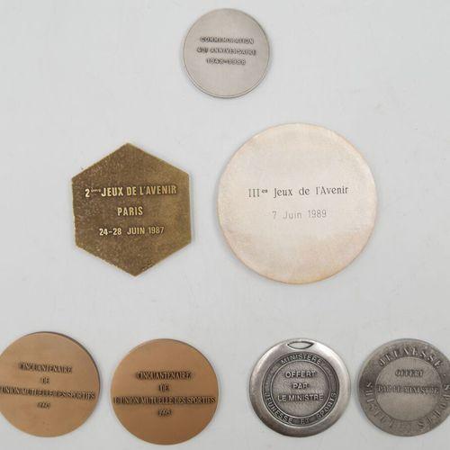 SPORTS. Ensemble de 11 Médailles. Divers métal.  Loisirs Jeunesse Sports offert …