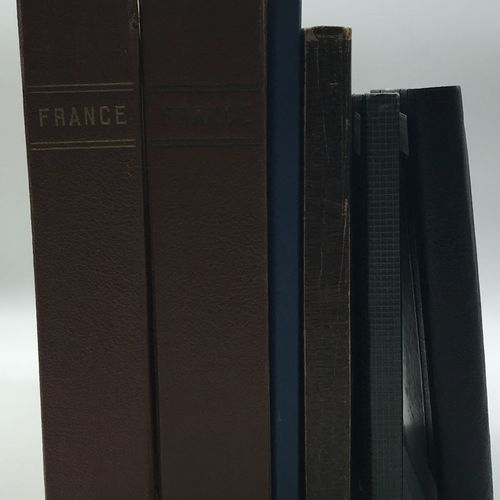 PHILATELIE 6 albums. France classique, semi moderne et moderne en oblitérés dont…