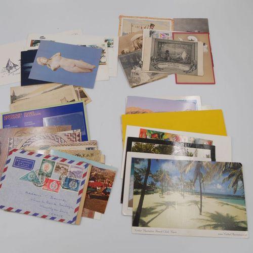 PHILATELIE */**/°. 1 Boite de timbres sur fragments du Monde entier + Boite à Ti…