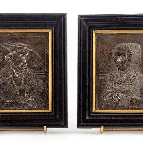 Pair of silver plates (swan punch) engraved in low relief with a portrait of a m…