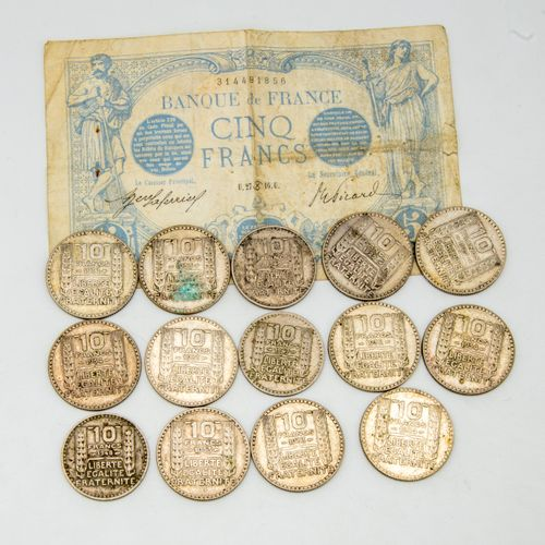 14 pieces of 10 francs. Attached is a 5 franc banknote from 1916.