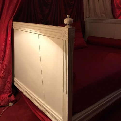 Louis XVI bed with equal uprights in moulded lacquered wood with fluted legs top…