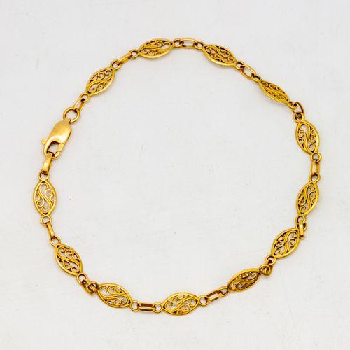 Yellow gold bracelet  Weight: 3.7 g.