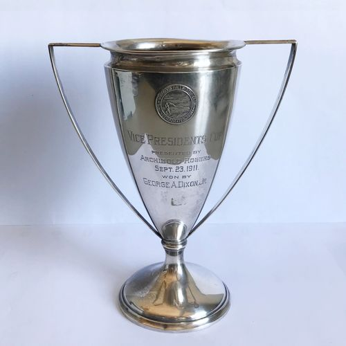 Silver Shinnecock Hills Club Golf Trophy in the form of an urn with side handles…