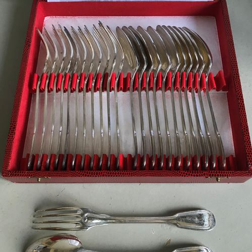 Set of twelve silver plated cutlery for entremets with filets and contours. 18th…