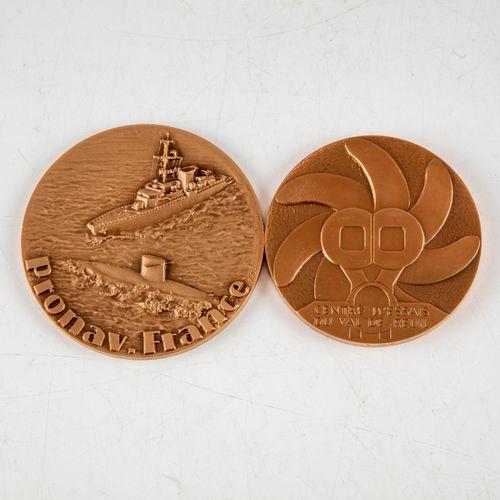 Set of two bronze medals including :   Medal for Pronav. France, F.I.A. Engraver…