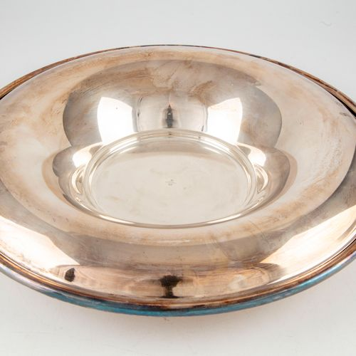 CHRISTOFLE CHRISTOFLE France  Large round silver plated display dish.  D. 36 cm
