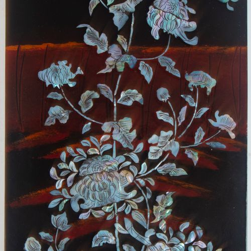 Lacquered wood panel with mother of pearl inlay decorated with chrysanthemums an…