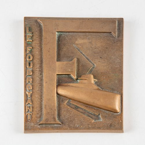 """Small bronze plaque of the French submarine """"Le Foudroyant  H. 14,5 cm ; L. : 11…"""