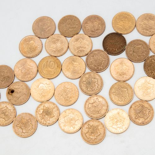 """Lot of 32 pieces of 10 Francs Mathieu  One coin of 10 Franc 1987 """" 987 . Capetia…"""