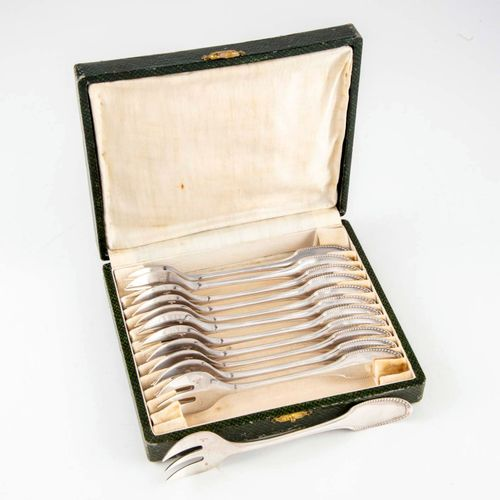 ALFENIDE ALFENIDE  12 pieces of silver plated cutlery with pearl frieze