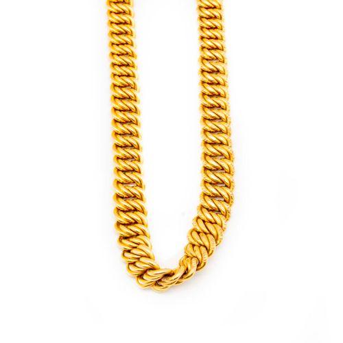 Collier en or jaune à maillons articulé souple  Poids : 117 g.