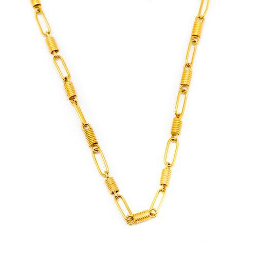 Chaine de sautoir en or jaune ornée de maillons plats et petits motifs cylindriq…