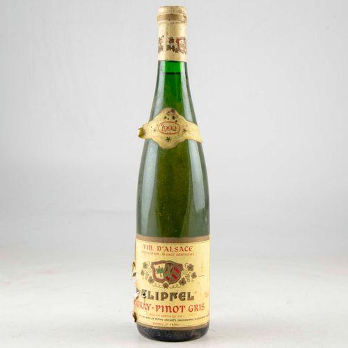 1 bouteille ALSACE 1992 Tokay Pinot Gris Klipfel  Niveau bon  Etiquette déchirée