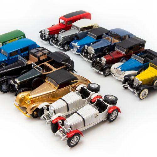 SOLIDO SOLIDO 1/43  Lot de 14 véhicules en TBE sans boite dont Mercedes 540K 193…