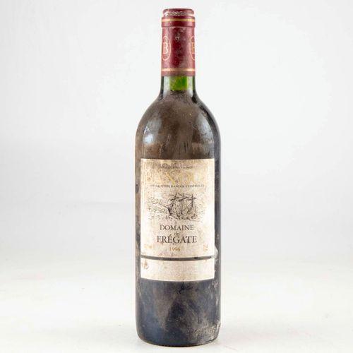 1 bouteille BANDOL 1996 Domaine de Frégate  Niveau bon  Etiquette fanée