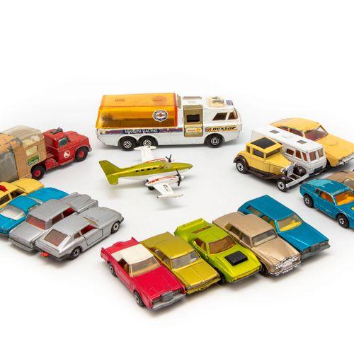 MATCHBOX MATCHBOX 1/64  Lot de 14 voitures, états et marques divers  On y joint …