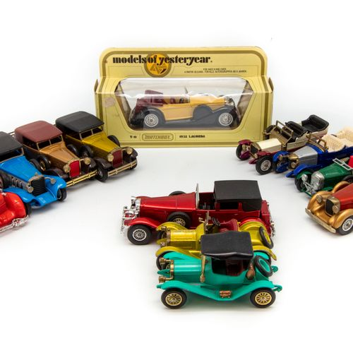 MATCHBOX MATCHBOX Models of Yesteryear  Lot de 12 véhicules dont une en BO (Lagu…