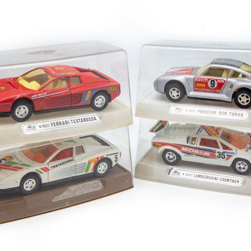 GUISVAL GUISVAL 1/30  Lot de 4 véhicules dont 2 Ferrari Testarosa réf. 38001, un…