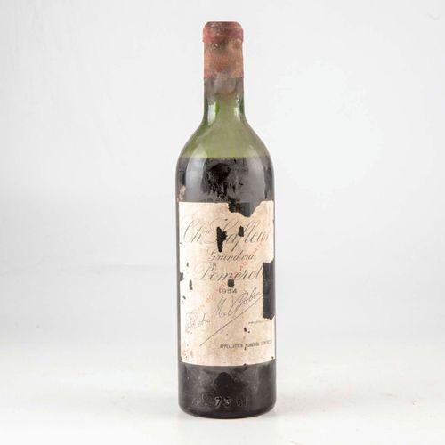 1 bouteille CHÂTEAU LAFLEUR 1954 Pomerol  Niveau bas  Etiquette fanée et griffur…