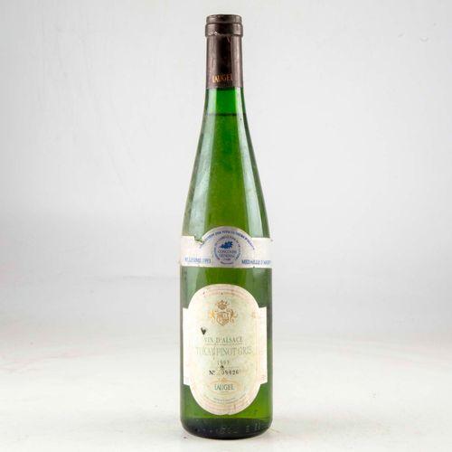 1 bouteille ALSACE 1993 Tokay Pinot Gris Laugel  Niveau bon  Etiquette légèremen…