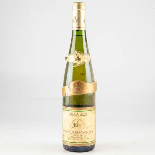 1 bouteille ALSACE 1997 Gewurztraminer Dopff  Etiquette fanée et griffures