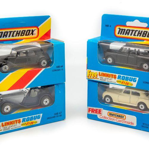 MATCHBOX MATCHBOX vers 1980  Lot de 4 véhicules en BO dont un taxi londonien réf…