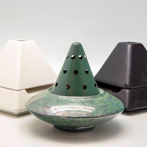 CASENOVE Pierre CASENOVE  Suite de trois lampes BERGER dont :   Deux MK Mykénino…