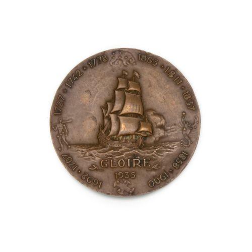 GUIRAUD GUIRAUD (G.)  Le croiseur léger Gloire, médaille et électrotype du rever…