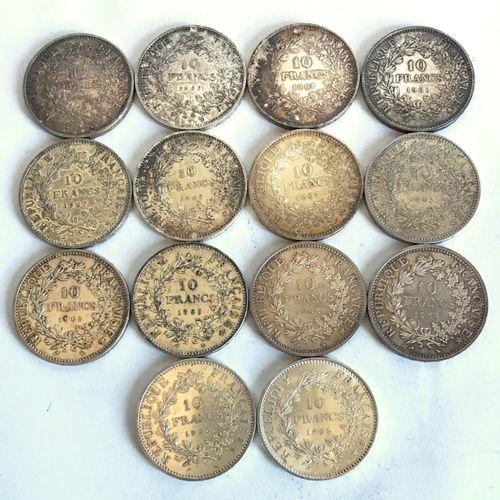 Lot comprenant 14 pièces en argent de 10 francs datées 1965 à 1970  Poids : 350,…
