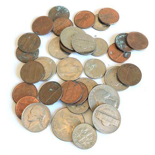Ensemble de pièces de monnaie USA  Cents dollars ....  En l'état