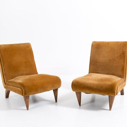 GILBERT ROHDE.Pair of wooden and velvet armchairs GILBERT ROHDE (New York, 1894 …