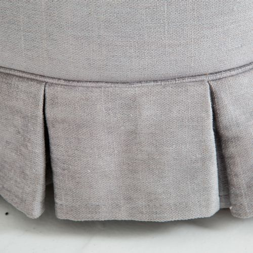 GIO PONTI. Angular velvet sofa. 1930s GIO PONTI(米兰,1891 1979)。天鹅绒转角沙发。内衬。1930s.具…