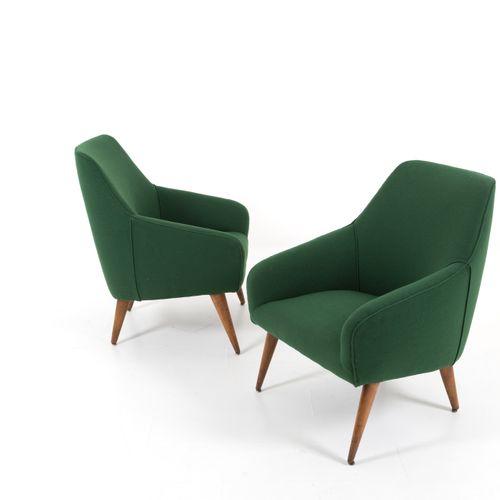 GIO PONTI for CASSINA. Pair of wooden armchairs GIO PONTI (Milan, 1891 1979) pou…