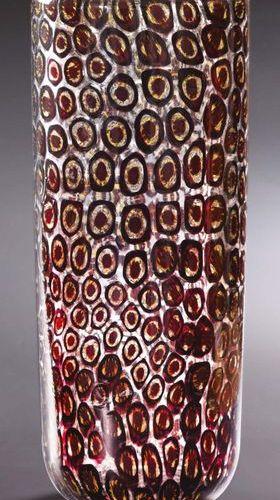 VITTORIO FERRO (1932 2012) Vaso allungato in vetro bianco trasparente con inclus…