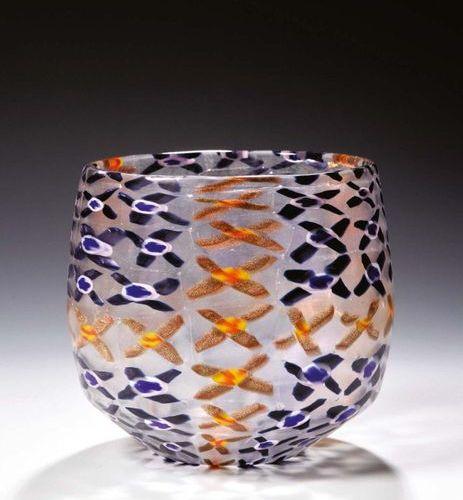 """MASSIMO NORDIO Vaso """"Ravenna"""" di forma ovoidale in vetro dalla surface opaca con…"""