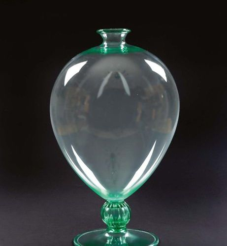 """VENINI & MURANO Vaso """"Veronese"""" in vetro verde acqua Baluster vase on pedestal i…"""