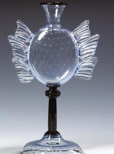 UMBERTO BELLOTTO (1882 1940) Vaso in cristallo azzurrognolo trasparente con incl…