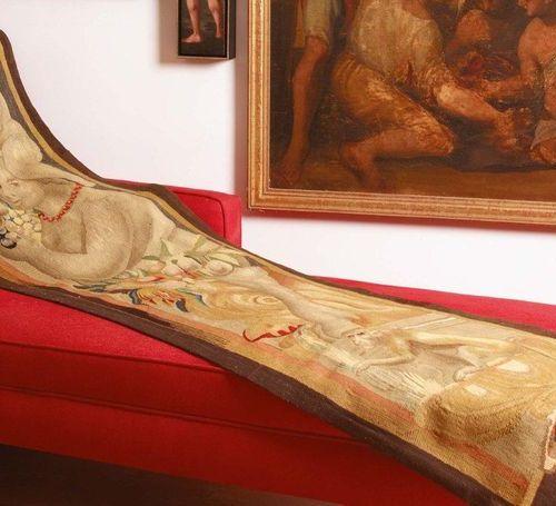 Cornice verticale di un arazzo in lana e seta XVII secolo Vertical border of a w…