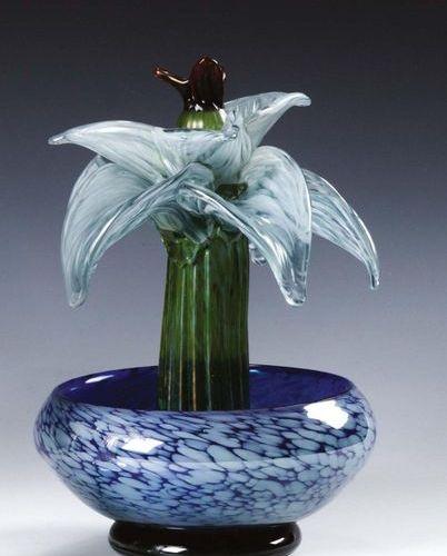 MURANO Cactus in un vaso in vetro multicolore dalla superficie in parte iridata …
