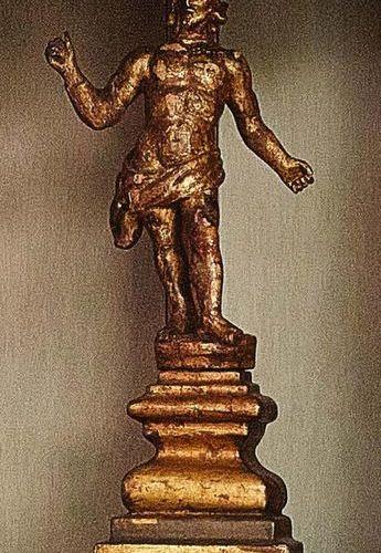 Cristo Resuscitated in legno scolpito con tracce di doratura Italia, XVII secolo…