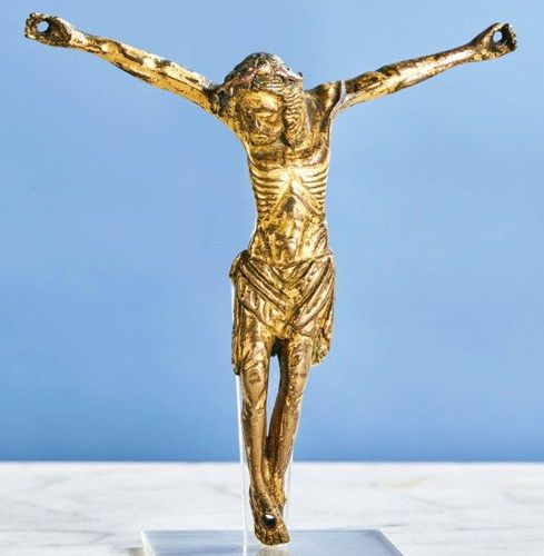 CHRIST in gilt bronze, solid cast iron. Head inclined on the right shoulder surr…