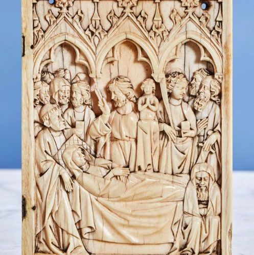 Right ivory diptych shutter representing the Dormition of the Virgin under three…