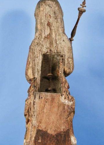 Importante Vierge à l'Enfant en chêne sculpté avec restes de polychromie, dos cr…